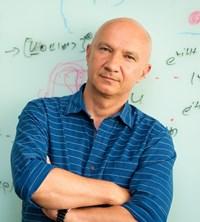 Professor Artur Ekert FRS